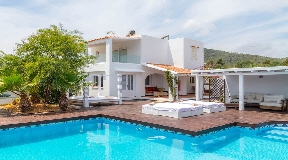 Villa for sale in Sa Caleta near the sea