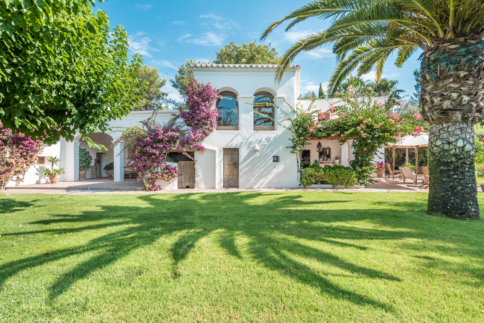 Beautiful finca in Ibiza San Lorenzo with large pool and beautiful garden