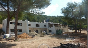 New villa with big plot and amazing views in Santa Eulalia