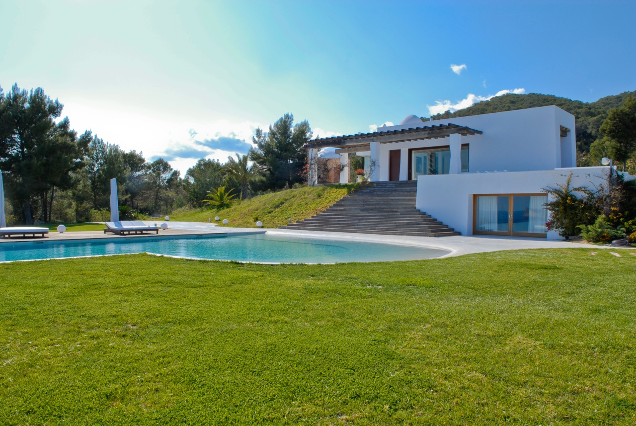 Exclusive luxury property for sale on Ibiza Km 4