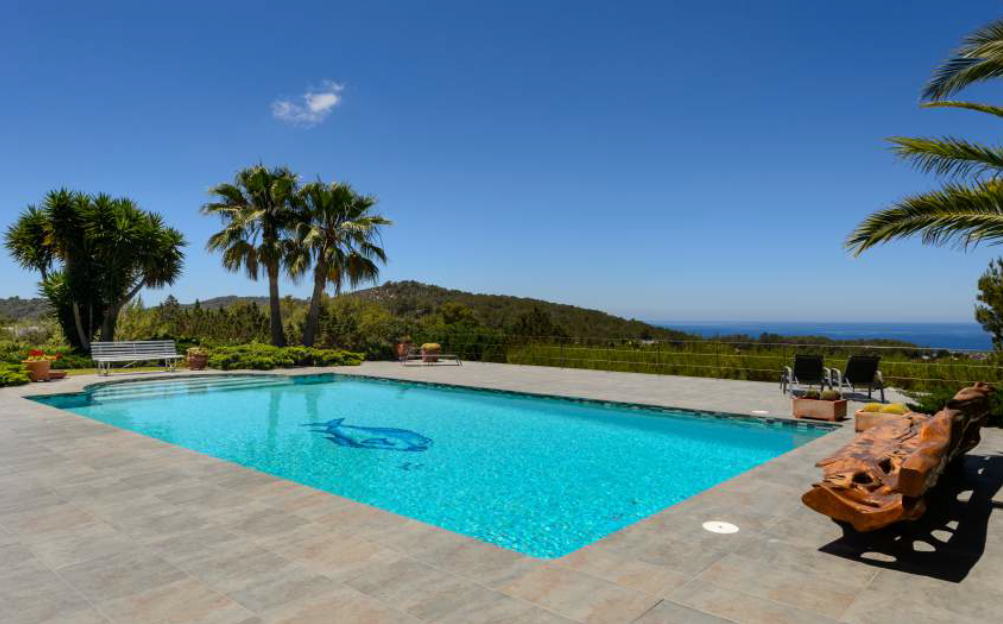 Exclusive luxury villa for sale with amazing views an sunset in San Jose