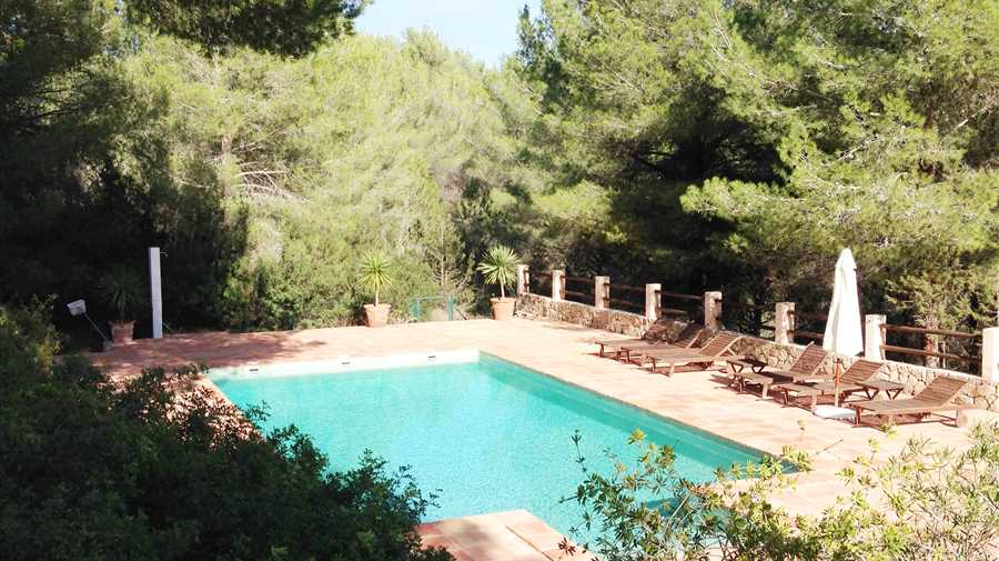 Two beautiful houses in a quiet location in Cala Jondal -  Es Porroig