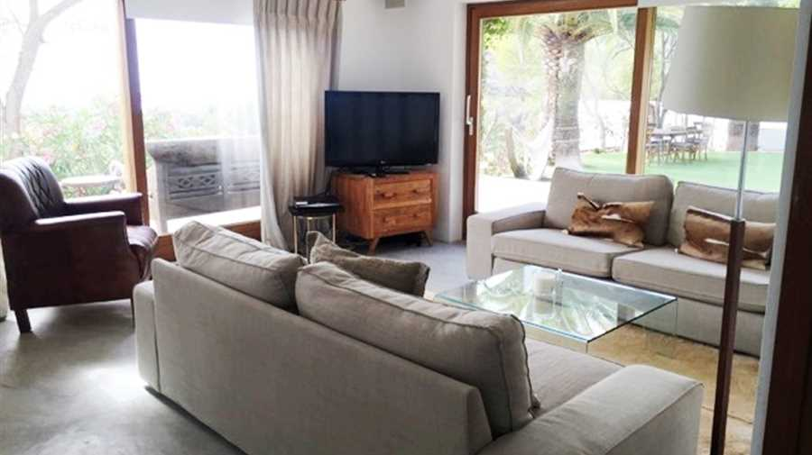 Beautiful villa in preferred residential area near San Josep