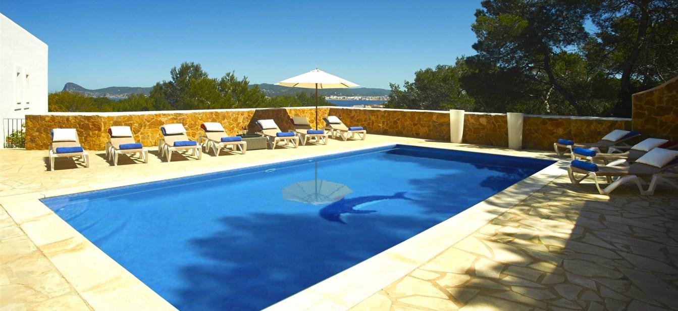 Villa for sale in Cala Bassa