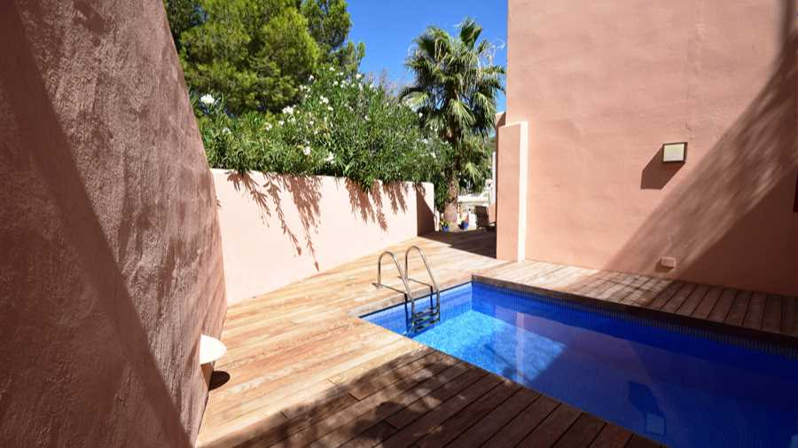 Detached house with 3 rooms with access to the beach