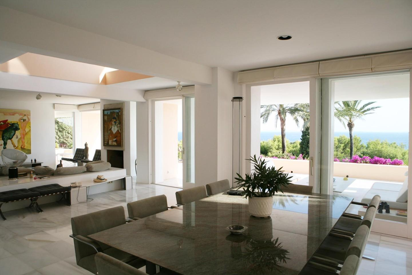 Charming luxury villa close to the beach with sea views