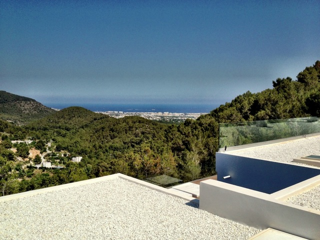 Moderne luxury villa with sea view