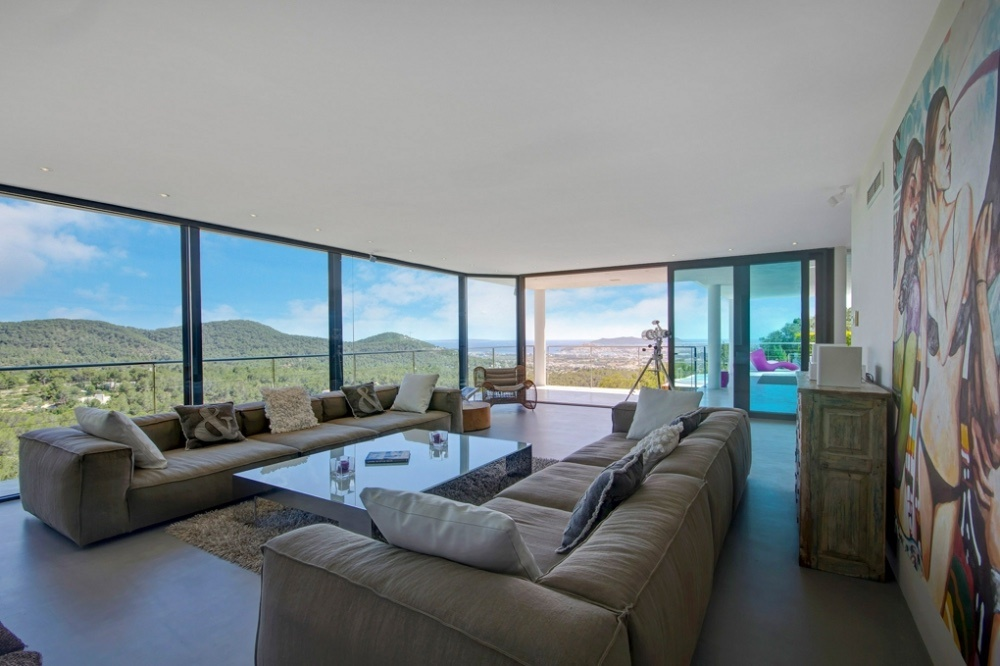 Luxury villa with popular views of the sea and Ibiza City for rent