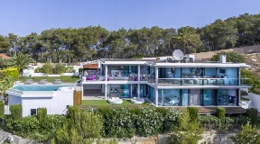 Luxury villa with popular views of the sea and Ibiza City