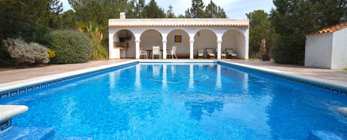 Villa in one of the best location on Ibiza with access to the beach