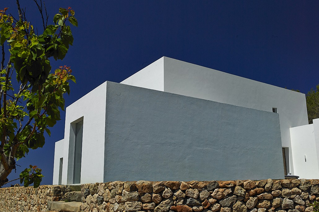 Impressive and recently built villa on Ibiza for rent