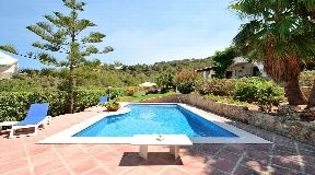 Charming and beautiful villa for sale with amazing views