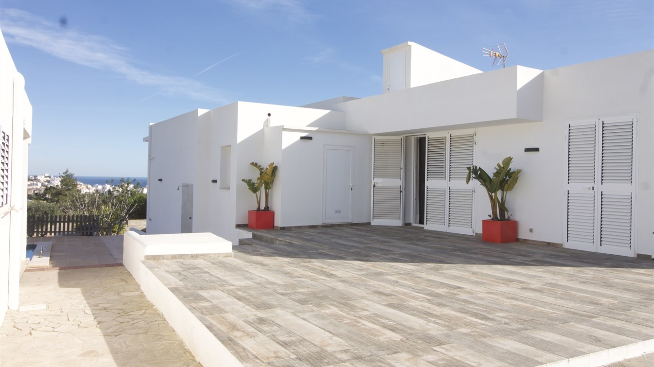 House with panoramic views of Jesus for sale in Ibiza