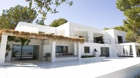Elegant Villa located in the exclusive village of Es Cubells