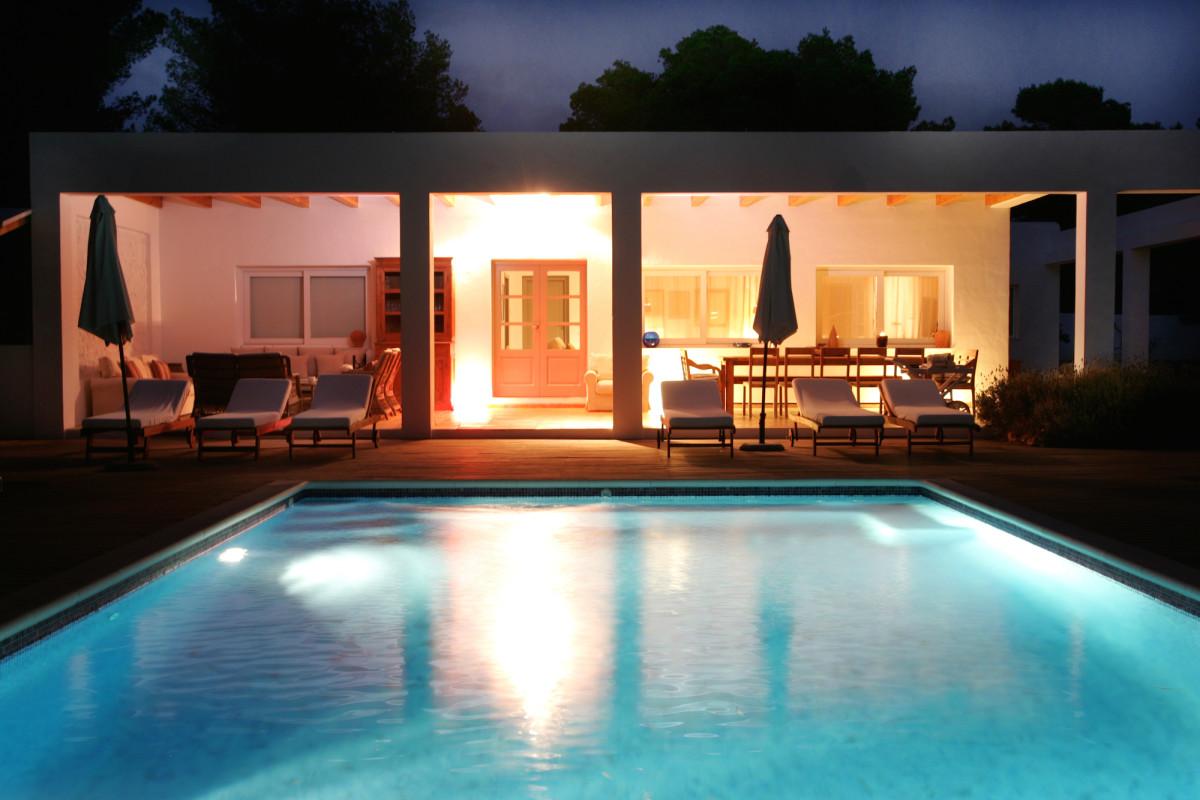 Nice villa in Cala Jondal near to the beach