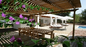 Nice villa in Cala Jondal near to the beach