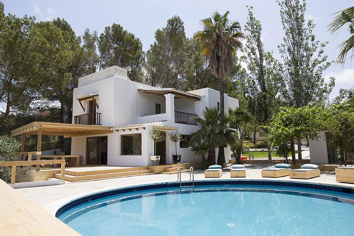 Newly refurbished deluxe finca near Cala Tarida