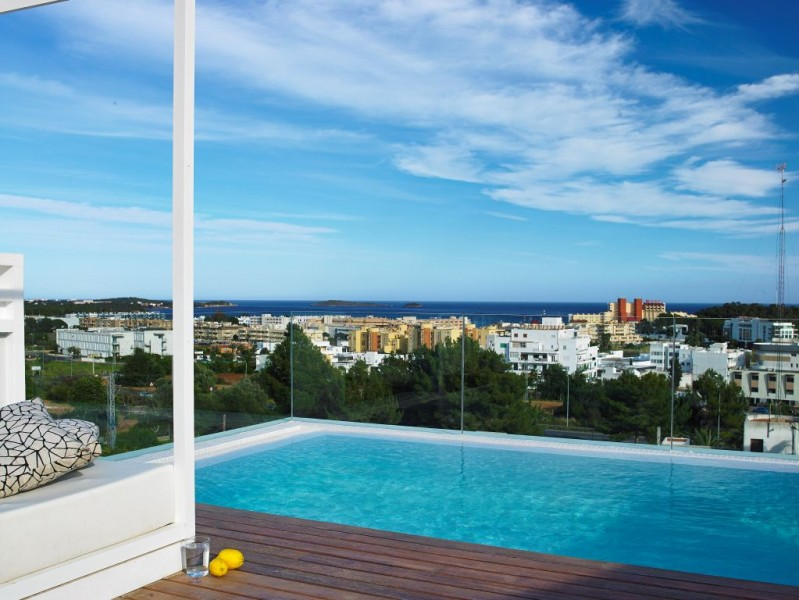House on Ibiza - Santa Eulalia overlooking the sea and sunset