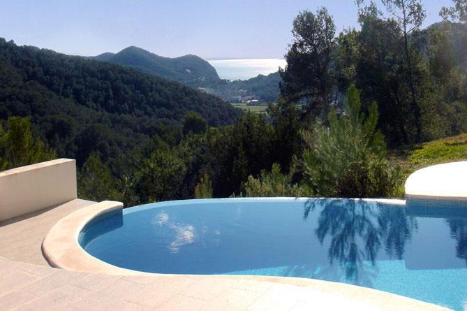 Luxury Villa for sale near to Roca Lisa