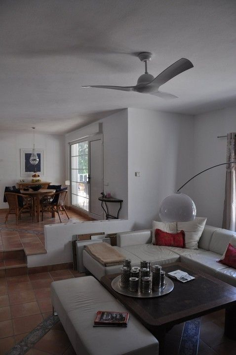 Very well maintained house 5 bedrooms in Cala Conta with sea views