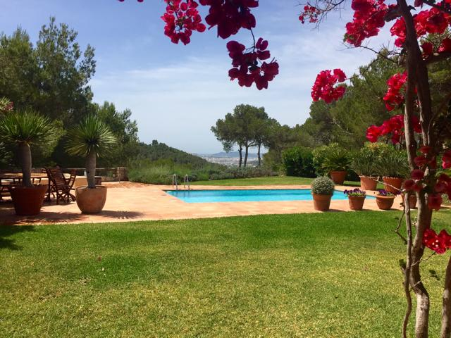 Luxury Villa between Ibiza and Santa Eulalia