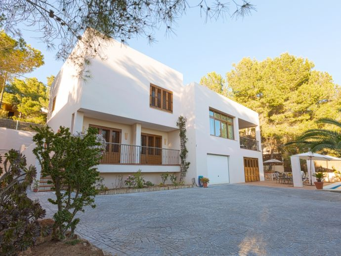 Large Villa with Private Pool in a Peaceful Location with Amazing Sunset Views !