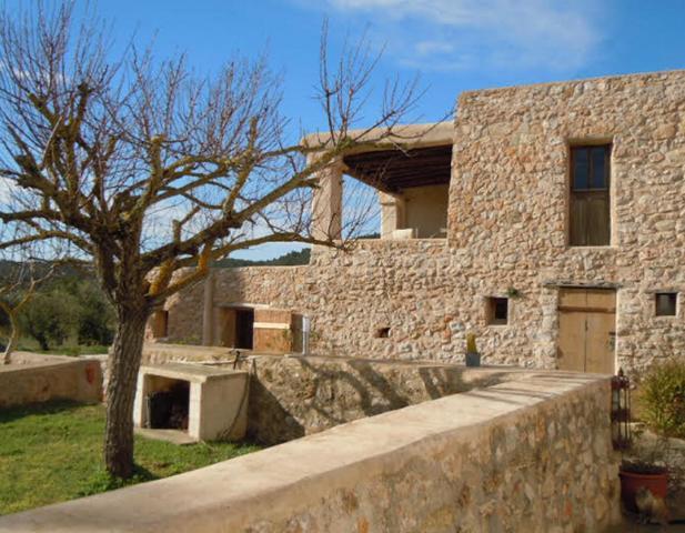 Authentic Ibiza finca for sale in Sant Mateu on Ibiza