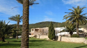 Authentic Ibiza finca for sale in Sant Mateu on Ibiza