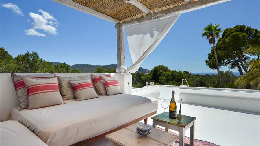 Very nicely renovated villa with sea view in Ibiza Cala Tarida