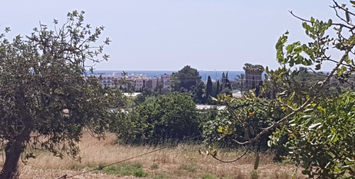 Plot in Santa Eulalia with sea views