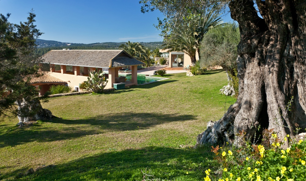 Beautiful finca with fantastic pool area for sale in Ibiza