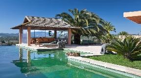 Beautiful finca close to Ibiza for sale