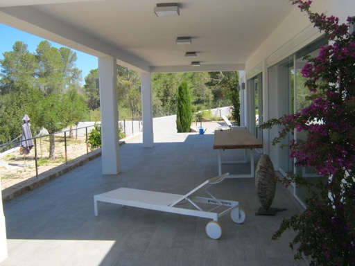 Modern individual housing with luxury qualities in Benimussa