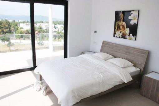 High quality built property near the beaches of Cala Bassa and Cala Conta