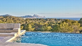 Brand new 6 bedroom villa all en-suite in Cala Conta with Sunset views