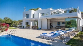 Modern Villa for sale in Roca Llisa