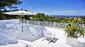 Villa with 3 large rooms with sea views in Ibiza Cala Conte