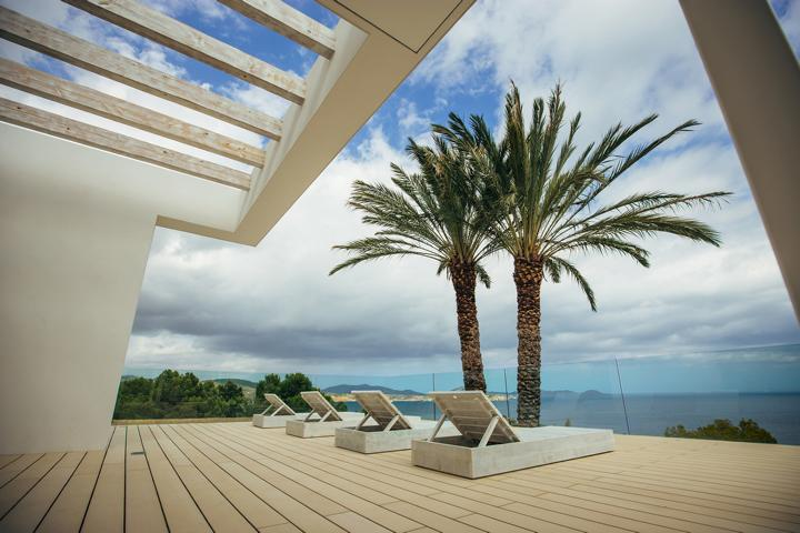 Amazing contemporary villa with beautiful sea views in Es Cubells for rent