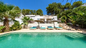 Superbly renovated House in Cala Llonga with 4 bedrooms