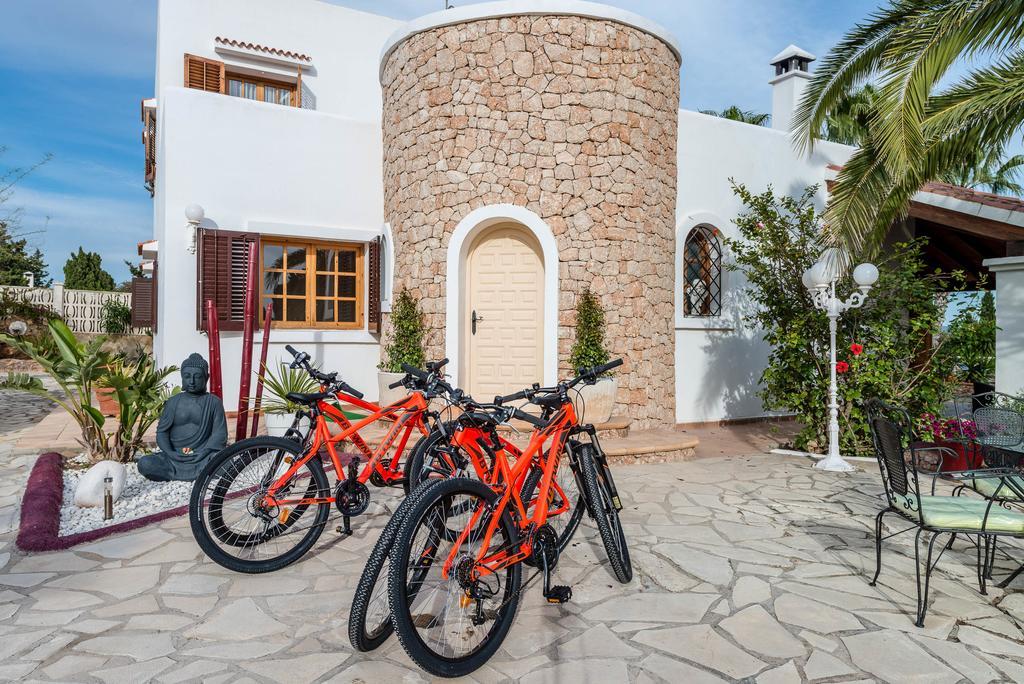 Nice house in Sa Caleta with views to the sea