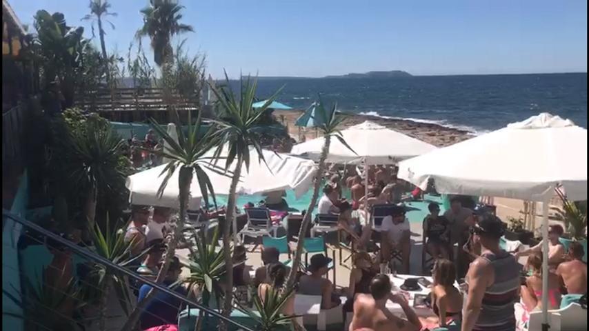 Beach Club in San Antonio first Line Sea