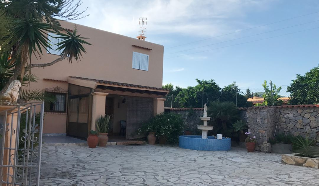 House for sale in San Jose close the france school