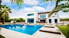 Beautiful modern Villa for sale near to Ibiza