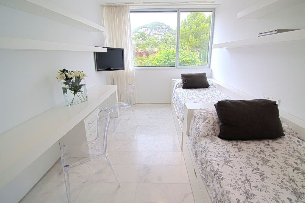 Luxurious Frontline Apartment with Excellent views in Es Pouet