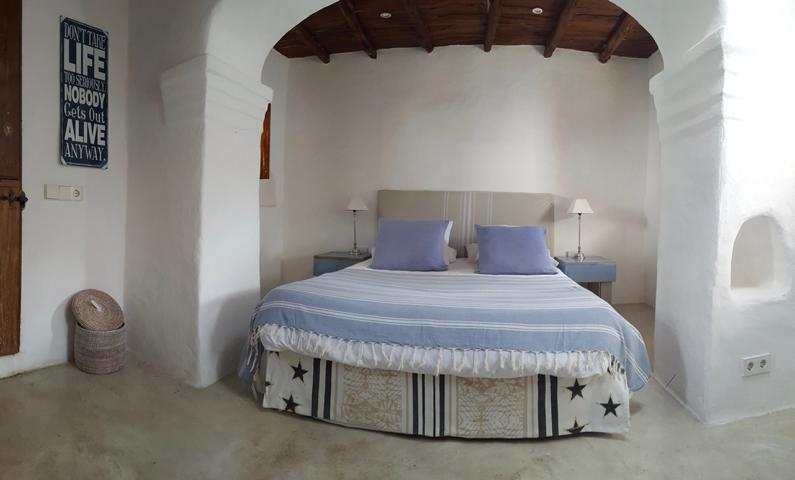 Renovated finca located on a hill  from San Rafael with views
