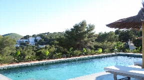 Beautiful villa for sale in Cala Llonga with sea views