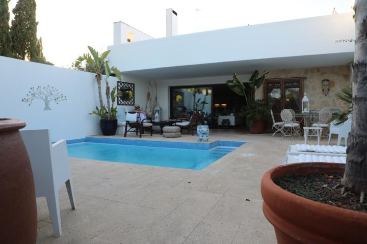 Very nice apartment with private pool on the golf course