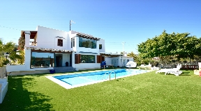 Large house near Sant Joseph for sale