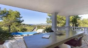 Fantastic villa with sea views and sunset
