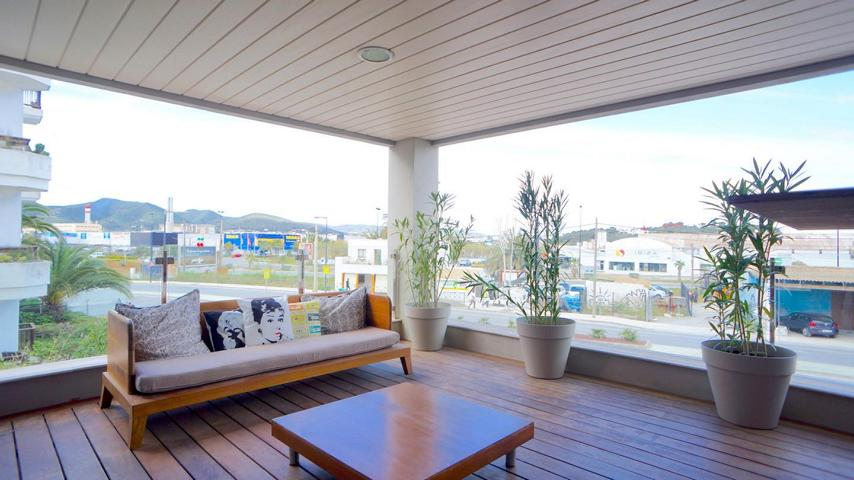 Luxury apartment in Marina Botafoch for sale